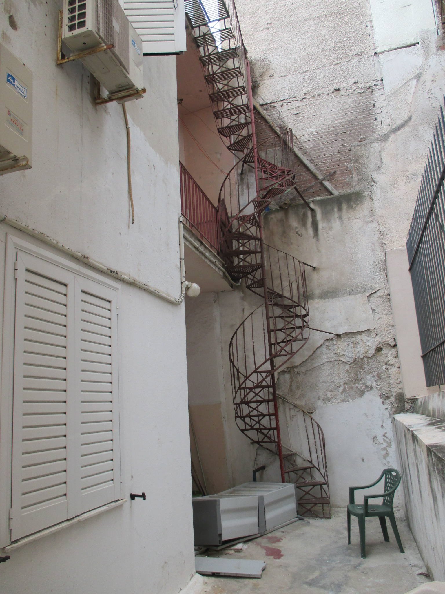 Ανακαίνιση κτηρίου στον Πειραιά
